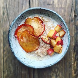 Oats with caramelised apple